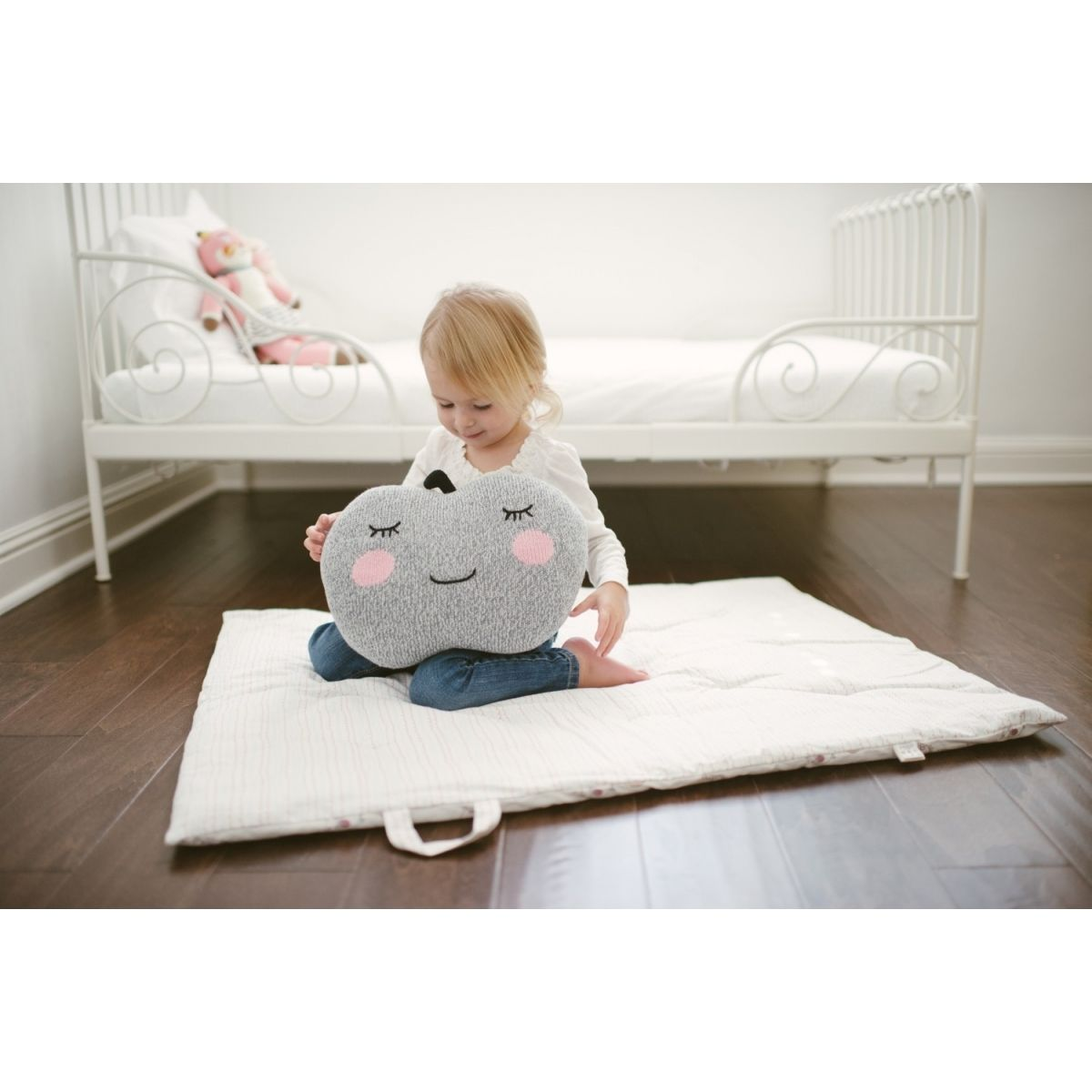Blabla Kids Knit Pillow Apple grey